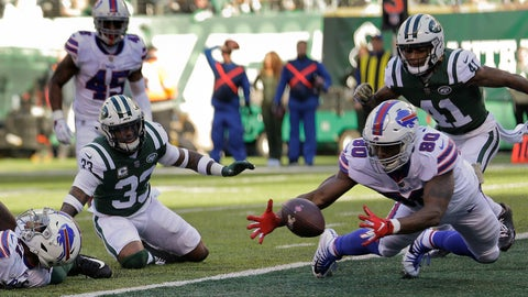 <p>               Buffalo Bills tight end Jason Croom (80) recovers a fumble by wide receiver Zay Jones , left, for a touchdown against the New York Jets during the first quarter of an NFL football game, Sunday, Nov. 11, 2018, in East Rutherford, N.J. (AP Photo/Seth Wenig)             </p>