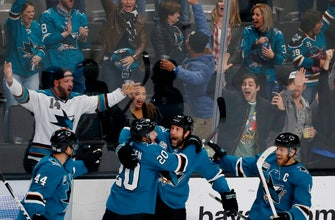 Thornton's 400th goal lifts Sharks past Predators 5-4