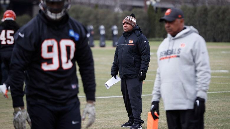 Hue Jackson back with Bengals in unscripted coaching role