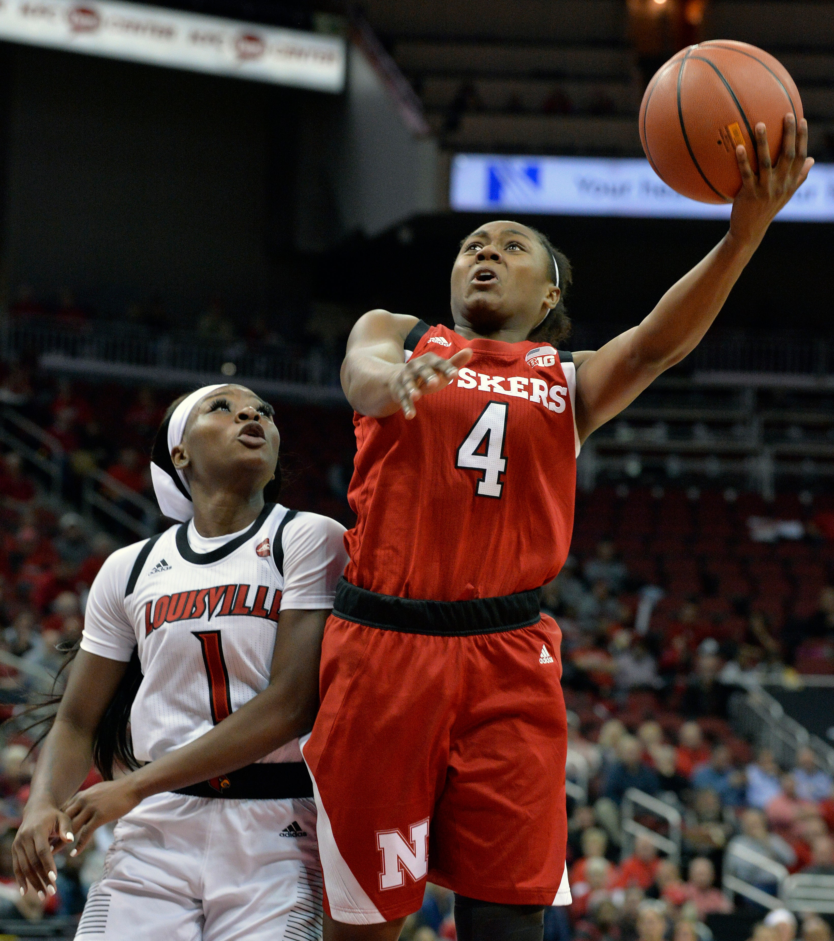 Durr scores and dishes as No  5 Louisville beats Nebraska