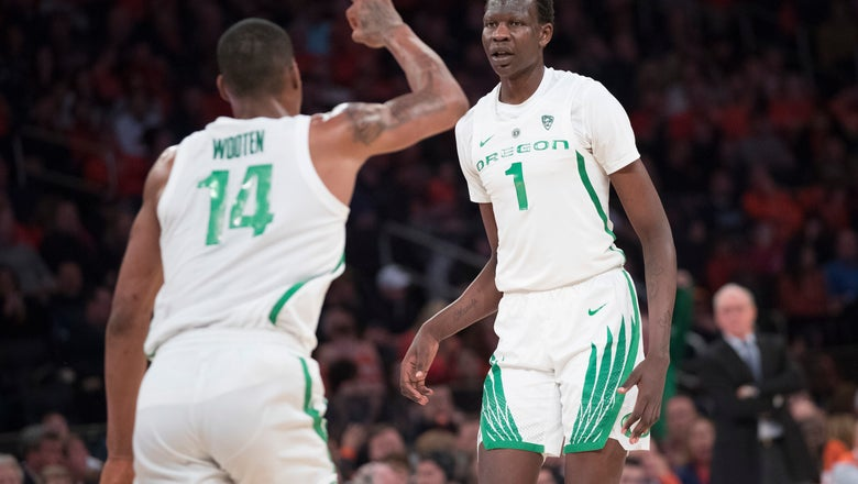 Bol leads No. 13 Oregon past No. 15 Syracuse in 2K Classic