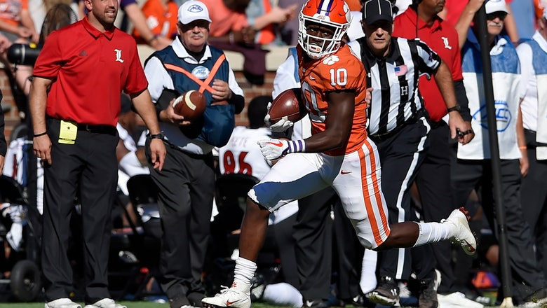 College football: No. 2 Clemson routs Louisville 77-16