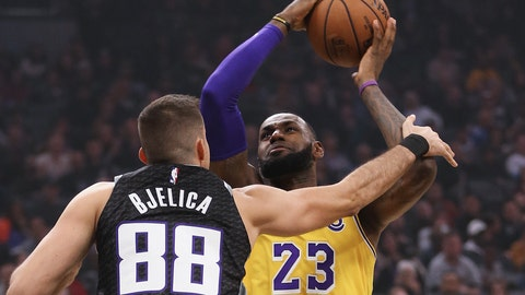 <p>               Los Angeles Lakers forward LeBron James, right, is fouled by Sacramento Kings forward Nemanja Bjelica during the second quarter of an NBA basketball game Saturday, Nov. 10, 2018, in Sacramento, Calif. .(AP Photo/Rich Pedroncelli)o             </p>