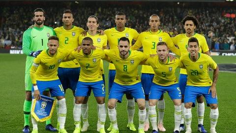 <p>               Brazil team pose before the international friendly soccer match between Brazil and Uruguay at the Emirates Stadium, London, Friday, Nov. 16, 2018. (AP Photo/Matt Dunham)             </p>