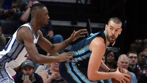 <p>               Memphis Grizzlies' Marc Gasol (33) looks to pass while guarded by Sacramento Kings' Harry Giles lll during the first half of an NBA basketball game Friday, Nov. 16, 2018, in Memphis, Tenn. (AP Photo/Karen Pulfer Focht)             </p>