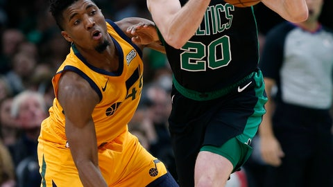 <p>               Boston Celtics' Gordon Hayward (20) and Utah Jazz's Donovan Mitchell (45) battle for the  e ball during the first half on an NBA basketball game in Boston, Saturday, Nov. 17, 2018. (AP Photo/Michael Dwyer)             </p>