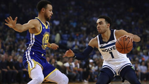 <p>               Golden State Warriors' Stephen Curry, left, defends against Minnesota Timberwolves' Tyus Jones (1) during the first half of an NBA basketball game Friday, Nov. 2, 2018, in Oakland, Calif. (AP Photo/Ben Margot)             </p>