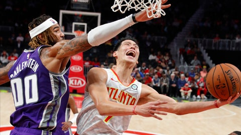 <p>               Atlanta Hawks guard Jeremy Lin (7) scores against Sacramento Kings center Willie Cauley-Stein (00) during the first half of an NBA basketball game Thursday, Nov. 1, 2018, in Atlanta. (AP Photo/John Bazemore)             </p>