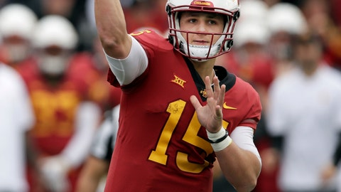 <p>               Iowa State quarterback Brock Purdy (15) passes to a teammate during the second half of an NCAA college football game against Kansas in Lawrence, Kan., Saturday, Nov. 3, 2018. (AP Photo/Orlin Wagner)             </p>