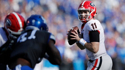 LEXINGTON, KY - NOVEMBER 03: Jake Fromm #11 of the Georgia Bulldogs looks to pass in the first quarter of the game against the Kentucky Wildcats at Kroger Field on November 3, 2018 in Lexington, Kentucky. (Photo by Joe Robbins/Getty Images)