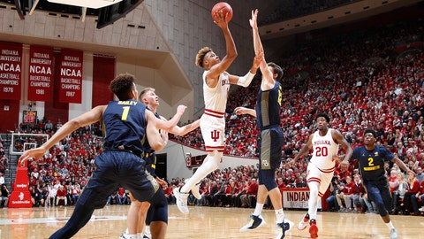 BLOOMINGTON, IN - NOVEMBER 14: Romeo Langford #0 of the Indiana Hoosiers drives to the basket against the Marquette Golden Eagles in the first half of the game at Assembly Hall on November 14, 2018 in Bloomington, Indiana. (Photo by Joe Robbins/Getty Images)