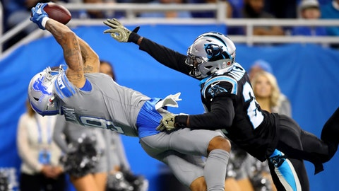 DETROIT, MI - NOVEMBER 18: Kenny Golladay #19 of the Detroit Lions catches a touchdown pass against James Bradberry #24 of the Carolina Panthers during the fourth quarterof the Detroit Lions at Ford Field on November 18, 2018 in Detroit, Michigan. (Photo by Gregory Shamus/Getty Images)