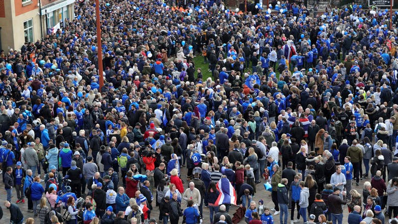 Tributes as soccer returns to Leicester 2 weeks after crash
