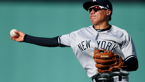 Yankees deal Ronald Torreyes to Cubs