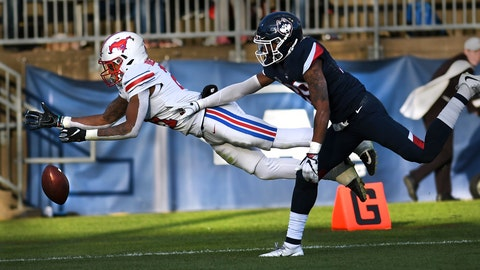 <p>               SMU running back Ke'Mon Freeman (2) misses a pass in the end zone as Connecticut defensive back Ryan Carroll (39) defends during the second half of an NCAA college football game, Saturday, Nov. 10, 2018, in East Hartford, Conn.(AP Photo/Stephen Dunn)             </p>