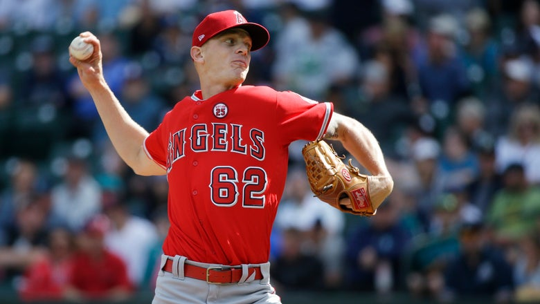 Yankees claim Bridwell, drop Torreyes from big-league roster