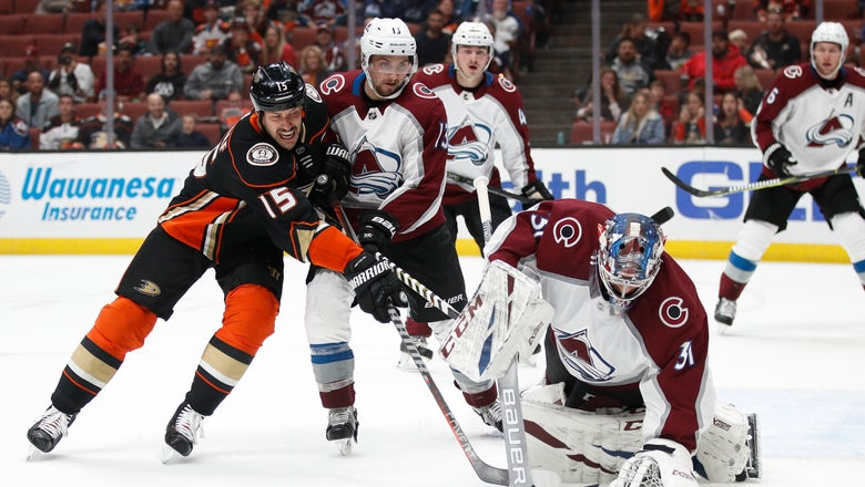 Ducks fall in OT to Avalanche