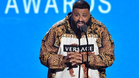 <p>               FILE - In this Aug. 20, 2018, file photo, DJ Khaled presents a performance by Travis Scott and James Blake at the MTV Video Music Awards at Radio City Music Hall in New York. Federal regulators said Thursday, Nov. 29, that boxing legend Floyd Mayweather and music producer DJ Khaled are paying a total $750,000 to settle charges they failed to disclose payments they received for promoting investments in digital-currency securities. (Photo by Chris Pizzello/Invision/AP, File)             </p>