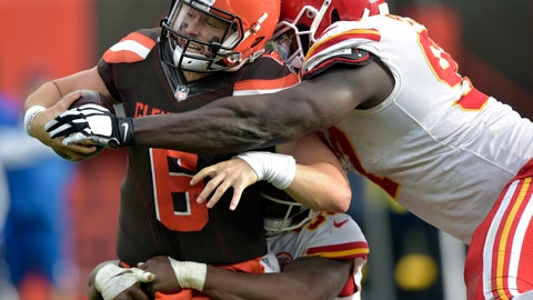 <p>               Cleveland Browns quarterback Baker Mayfield (6) attempts a two-point conversion as Kansas City Chiefs defensive end Allen Bailey (97) makes the tackle during the second half of an NFL football game Sunday, Nov. 4, 2018, in Cleveland. The attempt failed. (AP Photo/David Richard)             </p>