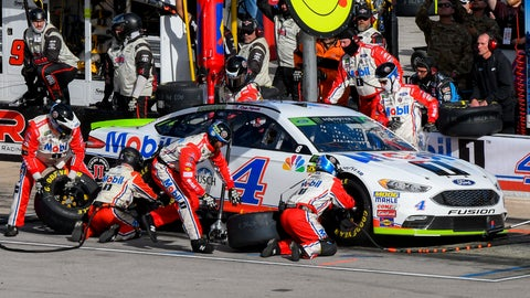 <p>               Kevin Harvick's pit crew services his car during a NASCAR Cup auto race at Texas Motor Speedway, Sunday, Nov. 4, 2018, in Fort Worth, Texas. (AP Photo/Larry Papke)             </p>