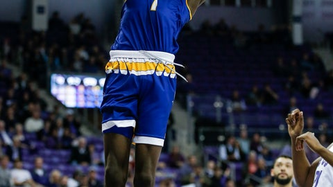 <p>               Cal State Bakersfield forward Darius Williams (1) dunks during the first half of an NCAA college basketball game against TCU, Wednesday, Nov. 7, 2018, in Fort Worth, Texas. (AP Photo/Brandon Wade)             </p>