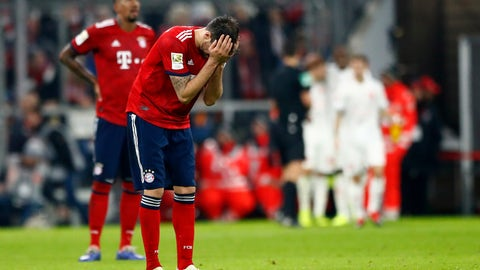 <p>               Bayern's Javi Martinez reacts after Duesseldorf scored the third goal during the German Bundesliga soccer match between FC Bayern Munich and Fortuna Duesseldorf in Munich, Germany, Saturday, Nov. 24, 2018. (AP Photo/Matthias Schrader)             </p>