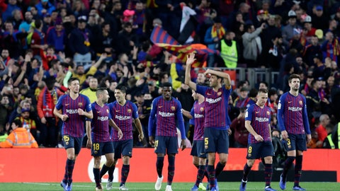 <p>               Barcelona players celebrate during the Spanish La Liga soccer match between FC Barcelona and Real Madrid at the Camp Nou stadium in Barcelona, Spain, Sunday, Oct. 28, 2018. (AP Photo/Manu Fernandez)             </p>