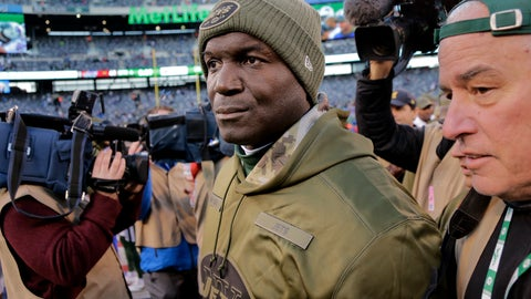 <p>               CORRECTS ID TO TODD BOWLES NOT SEAN MCDERMOTT New York Jets head coach Todd Bowles walks off the field after an NFL football game against the Buffalo Bills, Sunday, Nov. 11, 2018, in East Rutherford, N.J. The Bills won 41-10. (AP Photo/Seth Wenig)             </p>