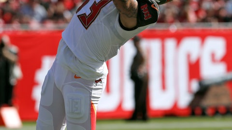 <p>               Tampa Bay Buccaneers wide receiver Mike Evans (13) makes a reception during the first half of an NFL football game against the San Francisco 49ers Sunday, Nov. 25, 2018, in Tampa, Fla. (AP Photo/Mark LoMoglio)             </p>