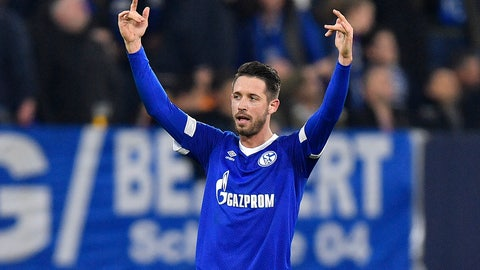 <p>               Schalke's Mark Uth celebrates after scoring his side's second goal during the Champions League group D soccer match between FC Schalke 04 and Galatasaray Istanbul in Gelsenkirchen, Germany, Tuesday, Nov. 6, 2018. (AP Photo/Martin Meissner)             </p>