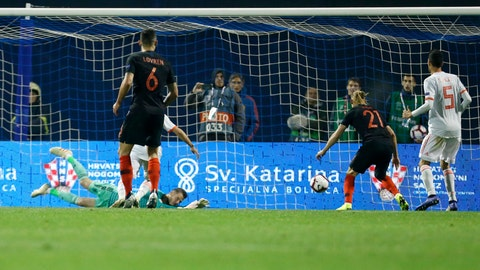 <p>               Spain goalkeper David de Gea fails to stop a shot by Croatia's Tin Jedvaj during the UEFA Nations League soccer match between Croatia and Spain at the Maksimir stadium in Zagreb, Croatia, Thursday, Nov. 15, 2018. (AP Photo/Darko Bandic)             </p>