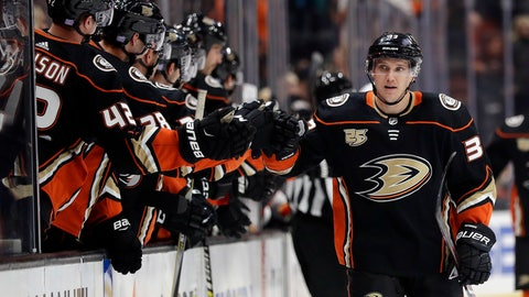 <p>               Anaheim Ducks' Jakob Silfverberg, right, celebrates his goal with teammates during the first period of an NHL hockey game against the Calgary Flames on Wednesday, Nov. 7, 2018, in Anaheim, Calif. (AP Photo/Marcio Jose Sanchez)             </p>