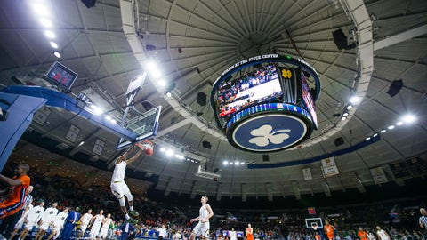 <p>               Notre Dame's Juwan Durham (11) dunks against Illinois during an NCAA college basketball game Tuesday, Nov. 27, 2018, in South Bend, Ind. (Michael Caterina/South Bend Tribune via AP)             </p>