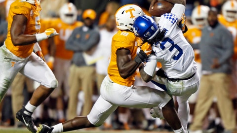 <p>               Kentucky quarterback Terry Wilson (3) is sacked by Tennessee linebacker Darrell Taylor (19) in the second half of an NCAA college football game Saturday, Nov. 10, 2018, in Knoxville, Tenn. Tennessee won 24-7. (AP Photo/Wade Payne)             </p>