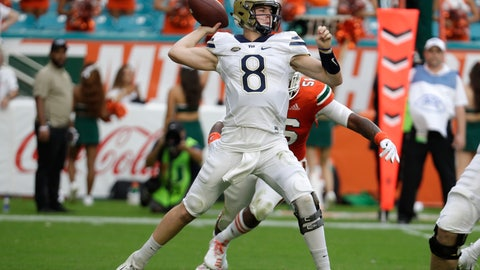 <p>               Pittsburgh quarterback Kenny Pickett passes (8) during the first half of an NCAA college football game against Miami, Saturday, Nov. 24, 2018, in Miami Gardens, Fla. (AP Photo/Lynne Sladky)             </p>