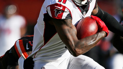 <p>               Atlanta Falcons wide receiver Julio Jones runs against the Cleveland Browns in the first half of an NFL football game, Sunday, Nov. 11, 2018, in Cleveland. (AP Photo/Ron Schwane)             </p>