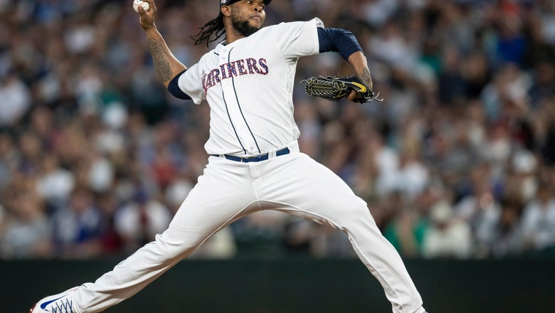 White Sox acquire Colome from payroll-shedding Mariners