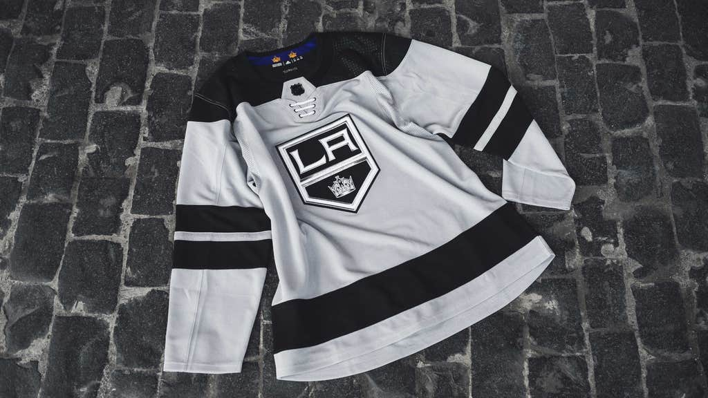 buy popular a8075 0bb3f Check out the new threads! LA Kings unveil 'Silver Jersey ...