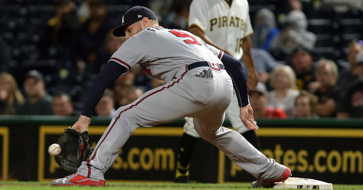 Braves' Freddie Freeman named Defensive Player of the Year at first base   FOX Sports