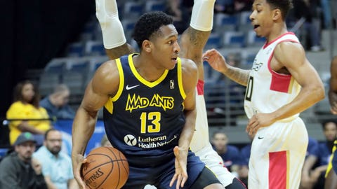 Fort Wayne Mad Ants center Ike Anigbogu in November 2018.