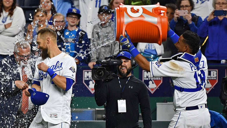 Gordo picks up his sixth Gold Glove, Salvy adds his fifth