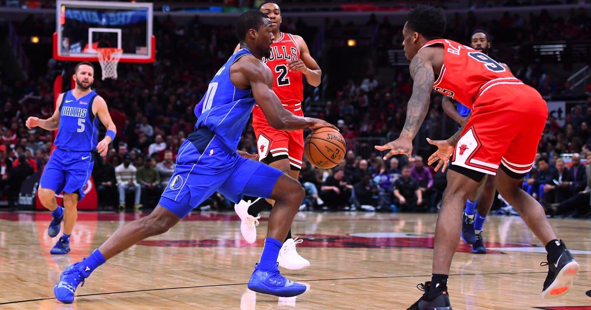 Barnes scored 22, leads Mavericks past Bulls 103-98