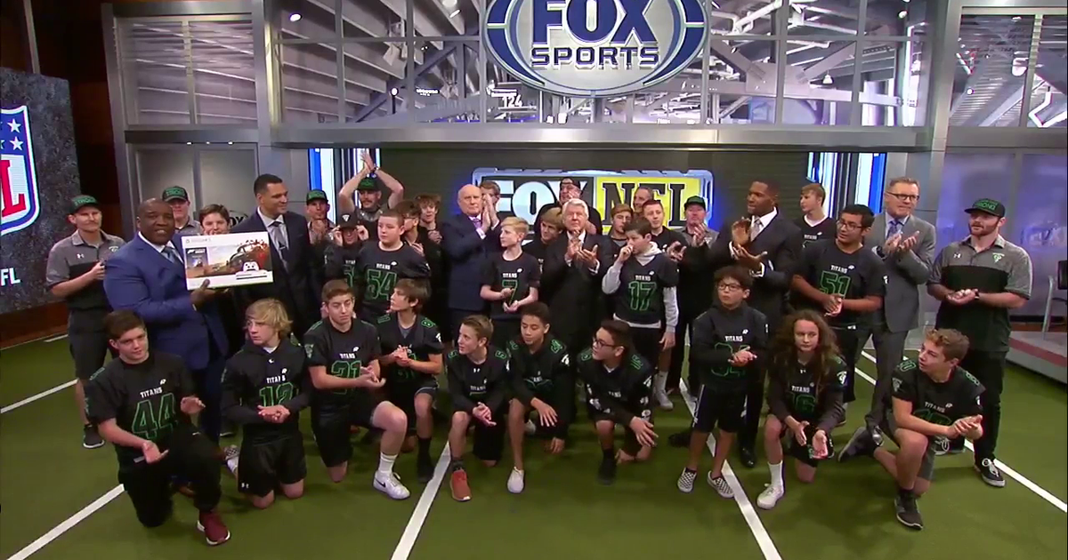 Thousand Oaks youth football team visits FOX NFL Sunday