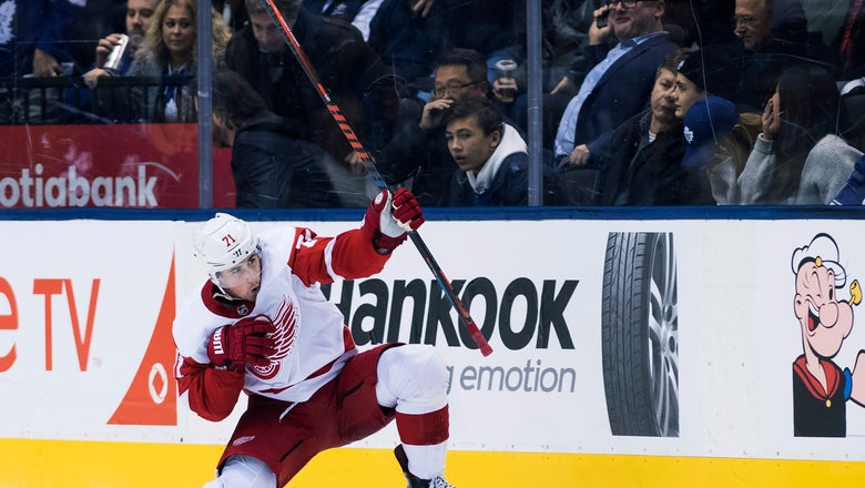 Larkin lifts Red Wings past Maple Leafs in OT