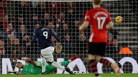 <p>               Manchester United's Romelu Lukaku, center, scores his side's opening goal during the English Premier League soccer match between Southampton and Manchester United at St Mary's stadium in Southampton, England Saturday, Dec. 1, 2018. (AP Photo/Kirsty Wigglesworth)             </p>