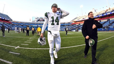<p>               New York Jets quarterback Sam Darnold leaves the field after an NFL football game against the Buffalo Bills, Sunday, Dec. 9, 2018, in Orchard Park, N.Y. (AP Photo/Adrian Kraus)             </p>