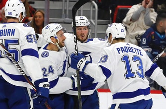 Lightning rally back in 3rd period, take down Red Wings in shootout to cap off perfect road trip