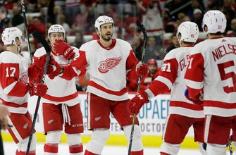 Kronwall, Bernier lead Red Wings to 4-1 win over Hurricanes