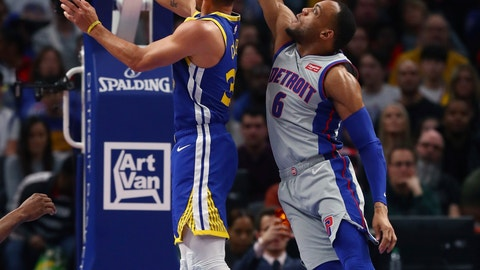 <p>               Golden State Warriors guard Stephen Curry makes a layup as Detroit Pistons guard Bruce Brown (6) defends during the first half of an NBA basketball game, Saturday, Dec. 1, 2018, in Detroit. (AP Photo/Carlos Osorio)             </p>