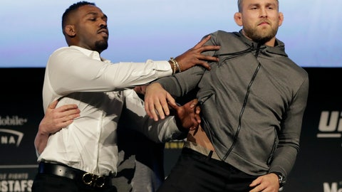 <p>               FILE - In this Nov. 2, 2018, file photo, Jon Jones, left, pushes Alexander Gustafsson out of the way during a news conference about their light heavyweight bout at Madison Square Garden in New York.  UFC 232 is on track to sell out the Forum in Inglewood just six days after the end-of-the-year show was moved from Las Vegas to Southern California. That is a testament to the quality of a card headlined by Jones' return to the UFC against Gustafsson. (AP Photo/Julio Cortez, File)             </p>